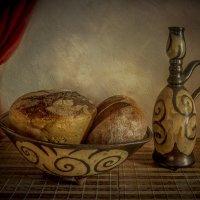Кувшин с хлебами :: Алексей Строганов