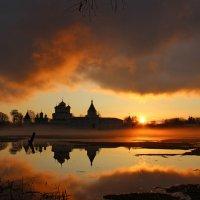 Ипатьевский  монастырь Кострома :: Краснов  Ю Ф