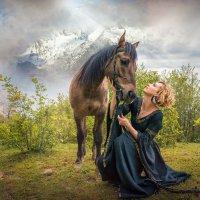Девушка с буланым конем :: Андрей Володин