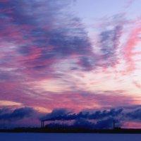 Дым в облака :: Ирина Cемко