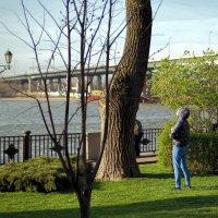 Медитация на восход апрельским утром на фоне реки Дон :: Леонид