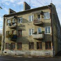 Жилой  дом  в  Стрыю :: Андрей  Васильевич Коляскин