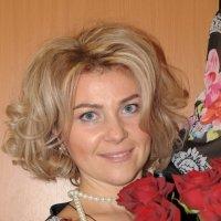 Портрет с букетом роз :: Сергей Тагиров