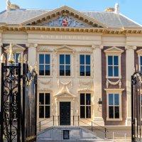 Красивый дворец в Гааге :: Witalij Loewin