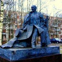Захаржевский работы скульптора В. Горевого :: Сергей