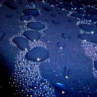 Капли воды на крыше автомобиля :: Асылбек Айманов