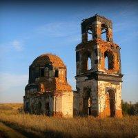 Развалины древнего храма :: Андрей Заломленков