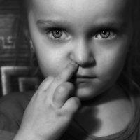 Таинственное детство :: Сергей Гойшик