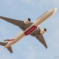 Оконный споттинг. Emirates. :: Валерий Смирнов