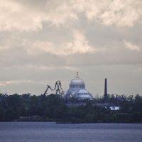Морской собор с моря (залива) :: Александр Рябчиков