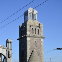башня разводного механизма Большеохтинского моста :: Михаил Радин