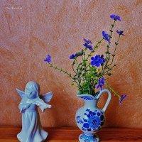Ангелочек и кувшинчик с цветочками :: Nina Yudicheva