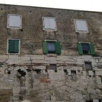 Жизнь в древнеримских руинах :: Марина Домосилецкая