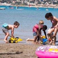 детки на пляже :: Elvira Tabisheva Peirano