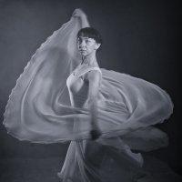Танец 2 :: Александр Барышев