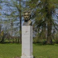 Берново. Памятник А. Пушкину скульптора Ю. М. Рукавишникова. :: Михаил (Skipper A.M.)