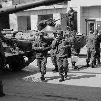 на подготовке к параду :: Татьяна Гузева