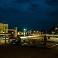 Город ночью оживает :: Сергей Рубан