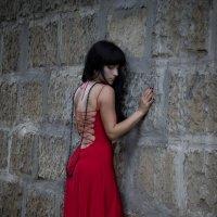 Женщина в красном :: Оксана Романова