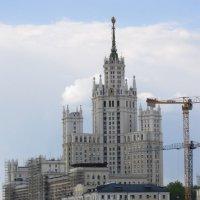 Москва. Высотка на Котельниках :: Дмитрий Никитин