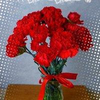 Ко Дню Победы! С наступающим праздником, дорогие друзья! Всем нам мира и благополучия! :: Nina Yudicheva