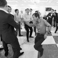 Танец. :: Александр Брикс