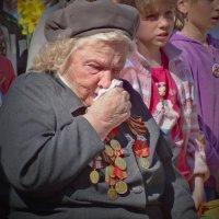 Праздник со слезами на глазах :: Валерий Талашов