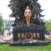 Донецк 2016 Памятник СТРАТОНАВТАМ 1938 год :: Владимир