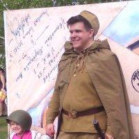 9 мая рядом с солдатом :: Галина