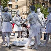 Застывшие скульптуры. Волгоград 9 мая. :: Владимир Тарасов