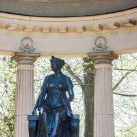 Памятник Марии Федоровне :: Виктор Орехов