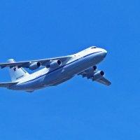 "Самолет Ан -124-100 ""Руслан"" :: Александр Запылёнов"