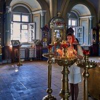 В храме :: Игорь Иванов