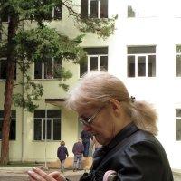 Очкарики - всегда умней, чем мы,очкарики внушают нам почтенье. :: Наталья (D.Nat@lia) Джикидзе (Берёзина)