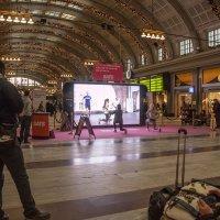 не теряй времени в ожидании поезда :: liudmila drake