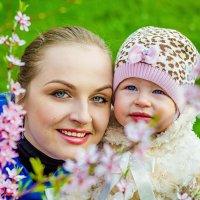 Весна.. цветочки и девчонки :: Наталья Корнилова