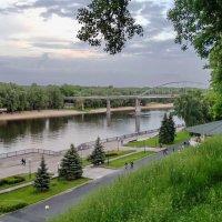 Майский вечер в Гомельском парке :: yuri Zaitsev
