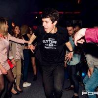 танцы,эмоции,ночной клуб :: Nikolay Kovalyov