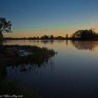 Майский восход на реке Дубне. :: Виктор Евстратов
