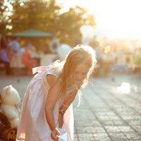 Девочка с корабликом :: Daniel Woloschin