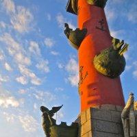 ростральная колонна на закате :: Елена
