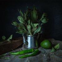 Зелёный натюрморт с перцами и авокадо :: Ирина Лепнёва