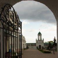 """""""""""вход в монастырь :: Александра"""
