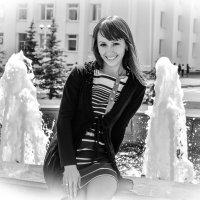 Около фонтана :: Сергей Тагиров
