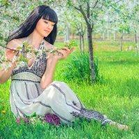 Девушка - весна... :: SVETLANA FABRICHNAYA