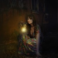 Девушка с фонарём :: Nata Grebennikova