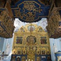 Внутри в церкви в Дубровицах :: Irina Shtukmaster