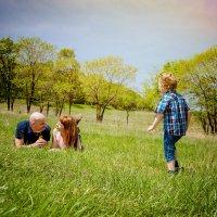 Счастье — это жить для тех, кого любишь и знать, что они живут ради тебя. :: Наталья Александрова