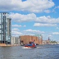Hamburg. die Elbe :: Nina Yudicheva