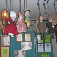 Кукол дергают за нитки... :: Vladimir Semenchukov